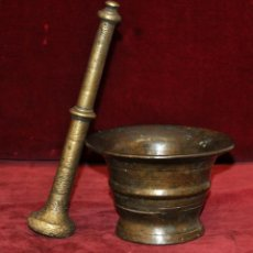 Antigüedades: ANTIGUO ALMIREZ DE FINALES DEL SIGLO XVII - PRINCIPIOS DEL SIGLO XIX CON SU MANO. Lote 58128361