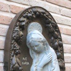 Antigüedades: VIRGEN : AVE MARIA ANTIGUA EN ESCAYOLA O ESTUCO.. Lote 58128481