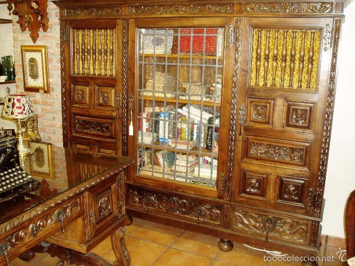 despacho antiguo de nogal macizo con tallas. se - Comprar ...