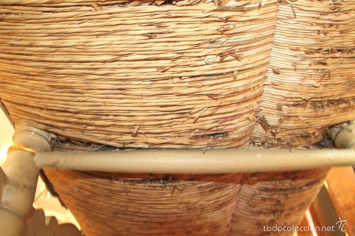Antigüedades: TRESILLO EN MADERA DE PINO POLICROMADO. ESTILO BARROCO. ESPAÑA. AÑO 1850. - Foto 9 - 58131607