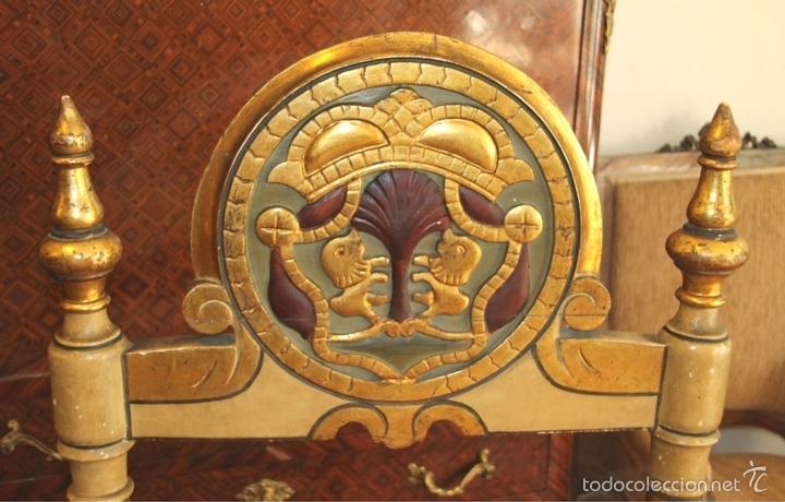 Antigüedades: TRESILLO EN MADERA DE PINO POLICROMADO. ESTILO BARROCO. ESPAÑA. AÑO 1850. - Foto 21 - 58131607