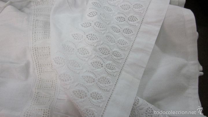 Antigüedades: Antiguas enaguas con bordado suizo indumentaria - Foto 3 - 58131653