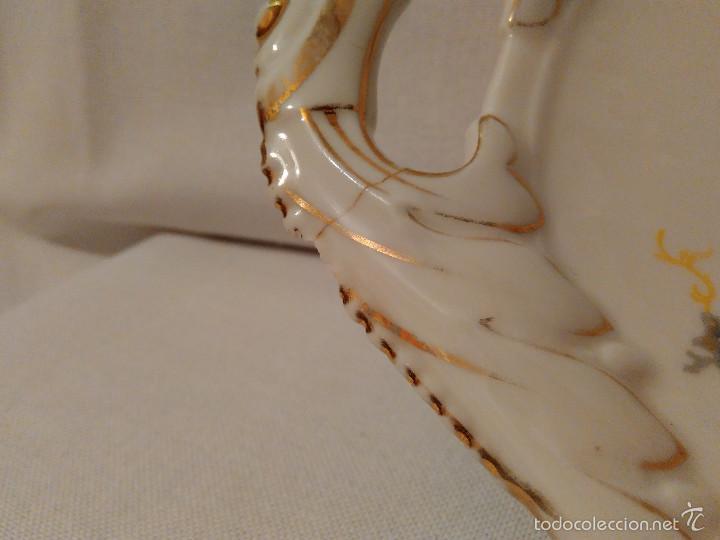 Antigüedades: Bonita fuente o bandeja de loza antigua, decoracion floral, sellada en la parte posterior. - Foto 4 - 58143065