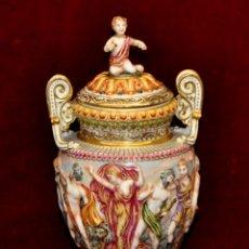 Antigüedades: BONITA COPA EN PORCELANA FRANCESA FIRMADA EN LA BASE. CIRCA 1940. Lote 58153882