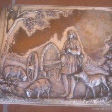 Antigüedades: PLACA EN RELIEVE TRABAJADA CON PRECIOSA ESCENA MODELO REGISTRADO. Lote 58159773