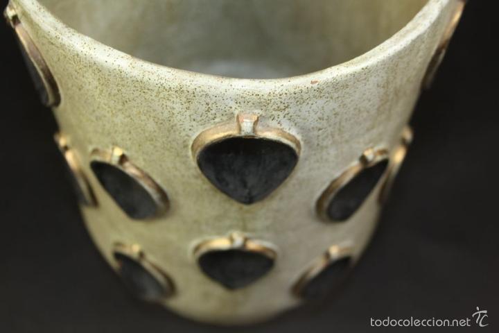 Antigüedades: JARRÓN. CERÁMICA ESMALTADA Y DORADA A MANO. ALEMANIA(?). CON MARCAS. CIRCA 1950 - Foto 10 - 58183370