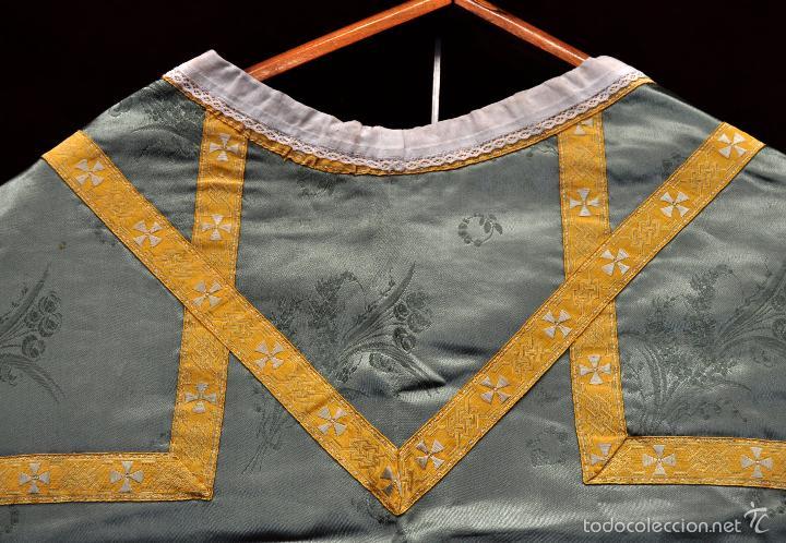 Antigüedades: ANTIGUA CASULLA EN ROPA DAMASCADA Y PASAMANERÍA - Foto 7 - 180325780