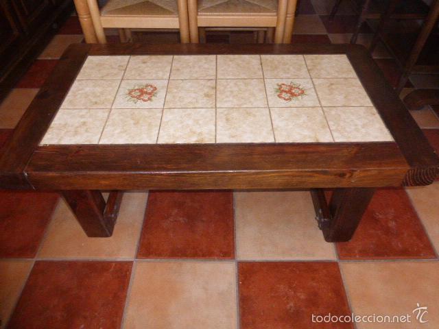 MESA DE CENTRO DE MADERA CON SOBRE DE AZULEJOS (Antigüedades - Muebles Antiguos - Mesas Antiguas)