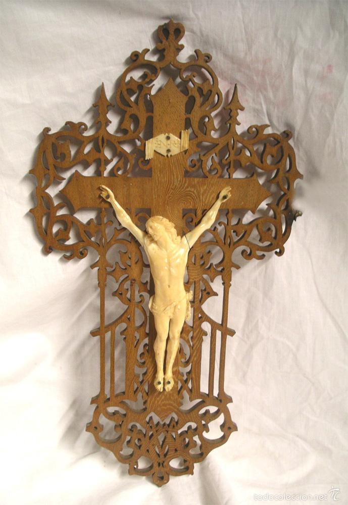 CRISTO CRUCIFIJO 4 CLAVOS TALLA DE MARFIL S XIX, BUEN ESTADO. MED. CRUZ 38 X 23 CM. (Antigüedades - Religiosas - Crucifijos Antiguos)