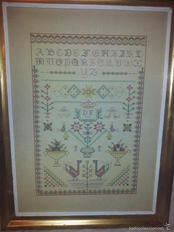 abecedario hecho a punto de cruz,en marco de ma - Comprar en ...