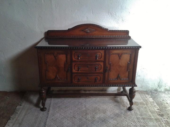 Mueble aparador antiguo r stico estilo renacimi comprar for Mueble auxiliar rustico