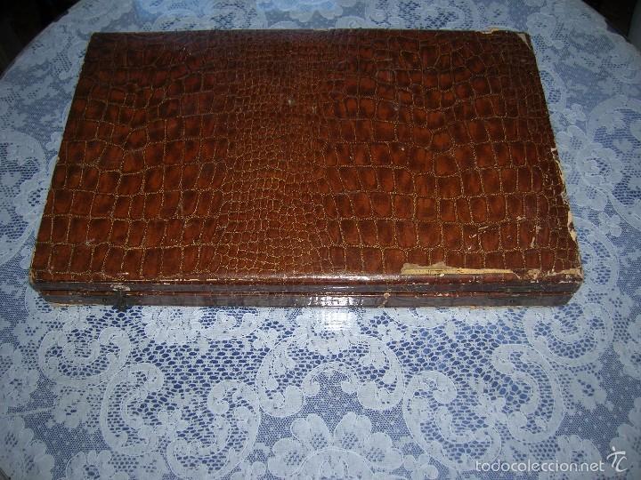 Antigüedades: Caja de cubiertos de plata antiguos. Contrast. Sello ELM y marca 800 milésimas en los tres cubiertos - Foto 7 - 58232444