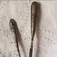 Antigüedades: CONJUNTO DE ÚTILES DE MANICURA CON MANGO EN PLATA DE LEY. Lote 58241986