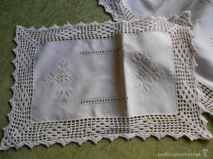 Antigüedades: Magnifico juego 3 piezas, bordado de la gartera.lino color beige.estilo retro.nuevo - Foto 2 - 58244318