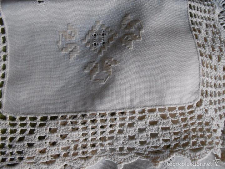Antigüedades: Magnifico juego 3 piezas, bordado de la gartera.lino color beige.estilo retro.nuevo - Foto 3 - 58244318