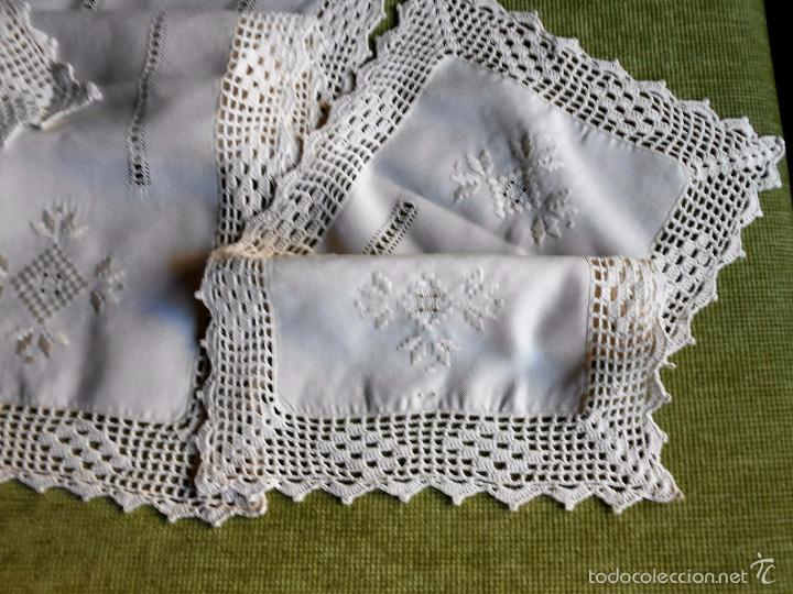 Antigüedades: Magnifico juego 3 piezas, bordado de la gartera.lino color beige.estilo retro.nuevo - Foto 7 - 58244318