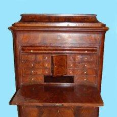 Antigüedades: PRECIOSO SECRETER BIEDERMAIER HACIA 1850 EN MADERA DE CAOBA Y PALMA DE CAOBA. Lote 58246026