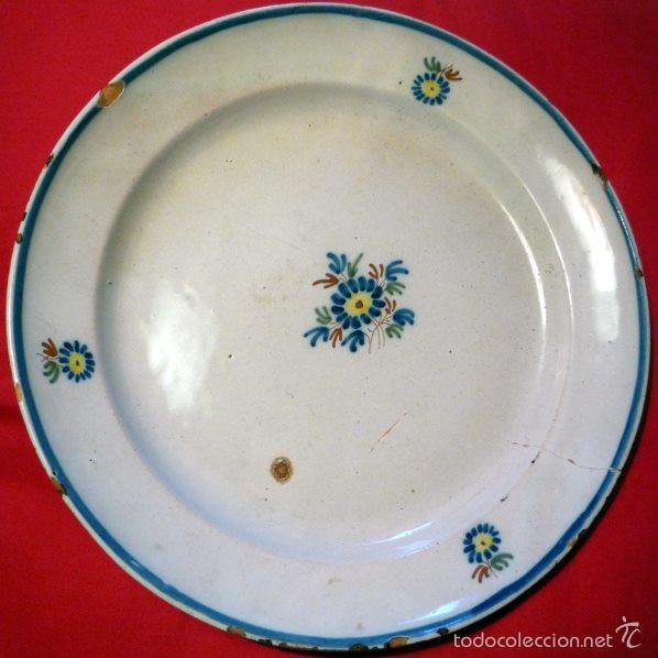 PLATO DE ALCORA. SERIE DEL RAMITO. S XVIII - XIX. FIRMADO (Antigüedades - Porcelanas y Cerámicas - Alcora)
