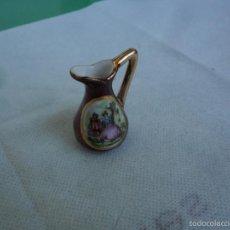 Antigüedades: JARRA DE PORCELANA LIMOGES - IDEAL PARA CASA DE MUÑECAS. Lote 58964785