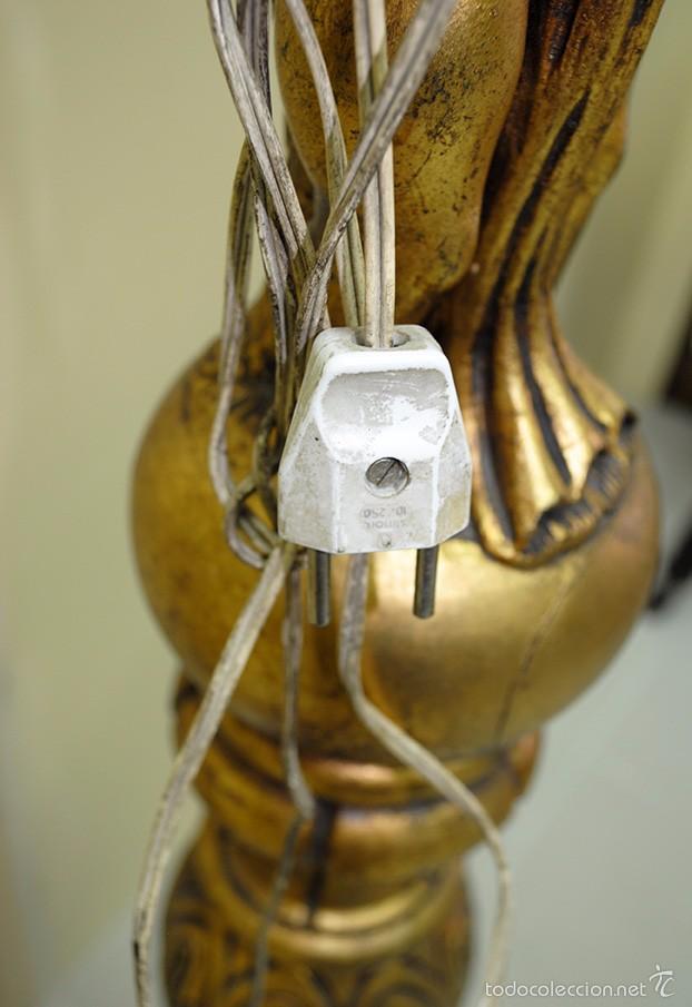 Antigüedades: LÁMPARA ANTIGUA DE PIE TALLADO Y REMATADO POR FIGURA EN PAN DE ORO - Foto 8 - 58255249