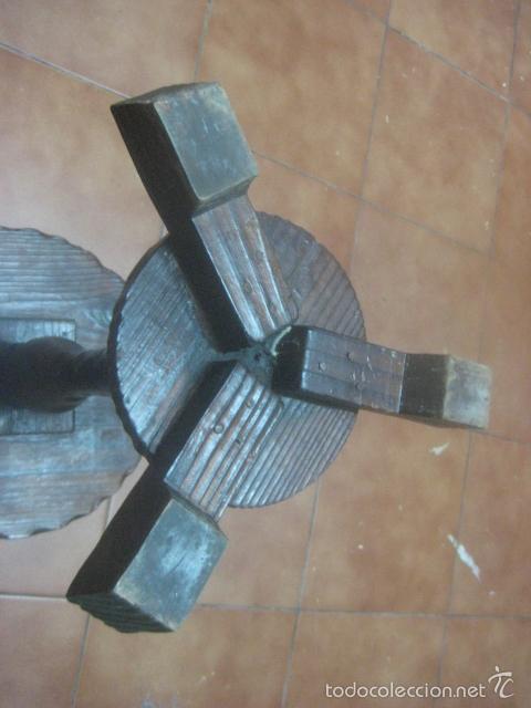 Antigüedades: PRECIOSA MESA VELADOR HECHA EN MADERA TALLADA MUY GRUESA DE TRES PIEZAS, PRINCIPIOS SIGLO XX - Foto 10 - 60091215