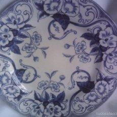 Antigüedades: PLATO DEL SIGLO XIX PORCELANA FRANCESA, CREIL - MONTEREAU, DECORACION FLORAL AZUL HIERRO.. Lote 58264857
