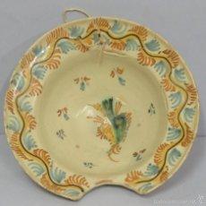 Antigüedades: ANTIGUA Y GRAN VACIA DE BARBERO DE PUENTE DEL ARZOBISPO. FINALES SIGLO XVIII-XIX. BUEN ESTADO. Lote 58266862