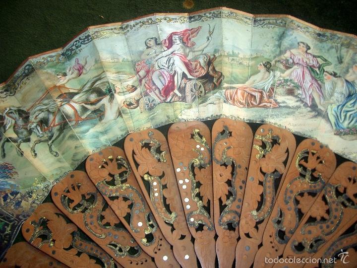 Antigüedades: Abanico isabelino varilla de madera tallada pais litografiado.ca7 - Foto 3 - 58276154