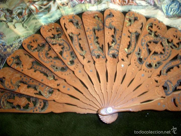Antigüedades: Abanico isabelino varilla de madera tallada pais litografiado.ca7 - Foto 5 - 58276154