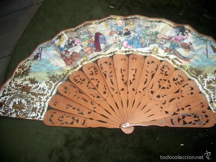 Antigüedades: Abanico isabelino varilla de madera tallada pais litografiado.ca7 - Foto 6 - 58276154