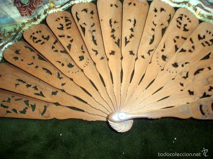 Antigüedades: Abanico isabelino varilla de madera tallada pais litografiado.ca7 - Foto 10 - 58276154