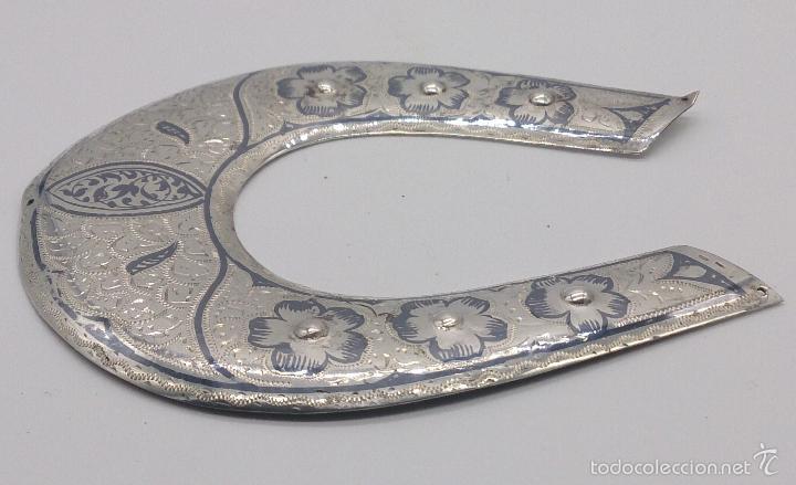 Antigüedades: Herradura antigua en plata de ley contrastada y bellamente cincelada a mano, Talismán de la fortuna. - Foto 4 - 58284363