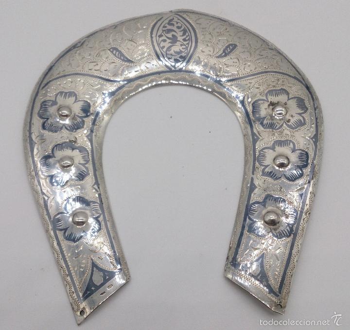 Antigüedades: Herradura antigua en plata de ley contrastada y bellamente cincelada a mano, Talismán de la fortuna. - Foto 5 - 58284363