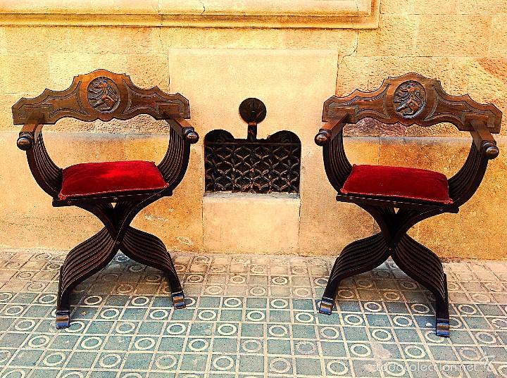 DOS SILLONES PLEGABLE RENACIMIENTO FORMADA POR LISTONES DE MADERA Y TALLA LEÓN (Antigüedades - Muebles Antiguos - Sillones Antiguos)