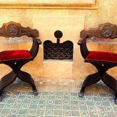 Antigüedades: DOS SILLONES PLEGABLE RENACIMIENTO FORMADA POR LISTONES DE MADERA Y TALLA LEÓN. Lote 58292846