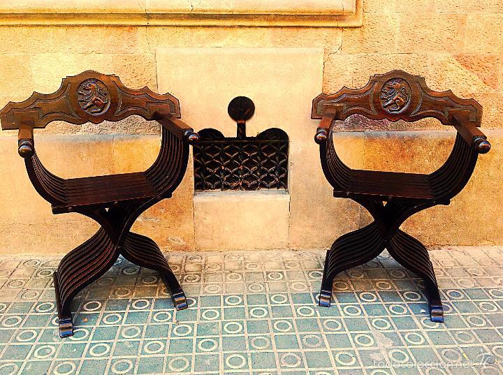 Antigüedades: Dos Sillones Plegable Renacimiento Formada Por Listones De Madera Y Talla León - Foto 6 - 58292846