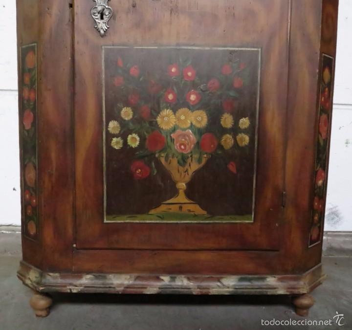 Antigüedades: Armario policromado de estilo alemán con motivos religiosos. - Foto 6 - 58339850