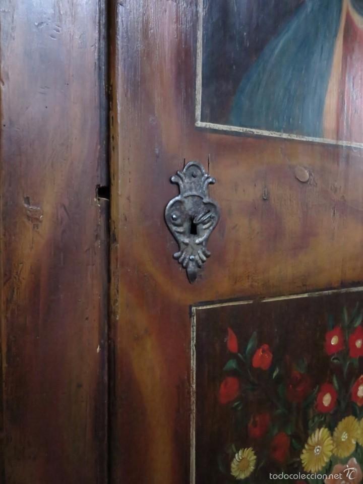 Antigüedades: Armario policromado de estilo alemán con motivos religiosos. - Foto 9 - 58339850