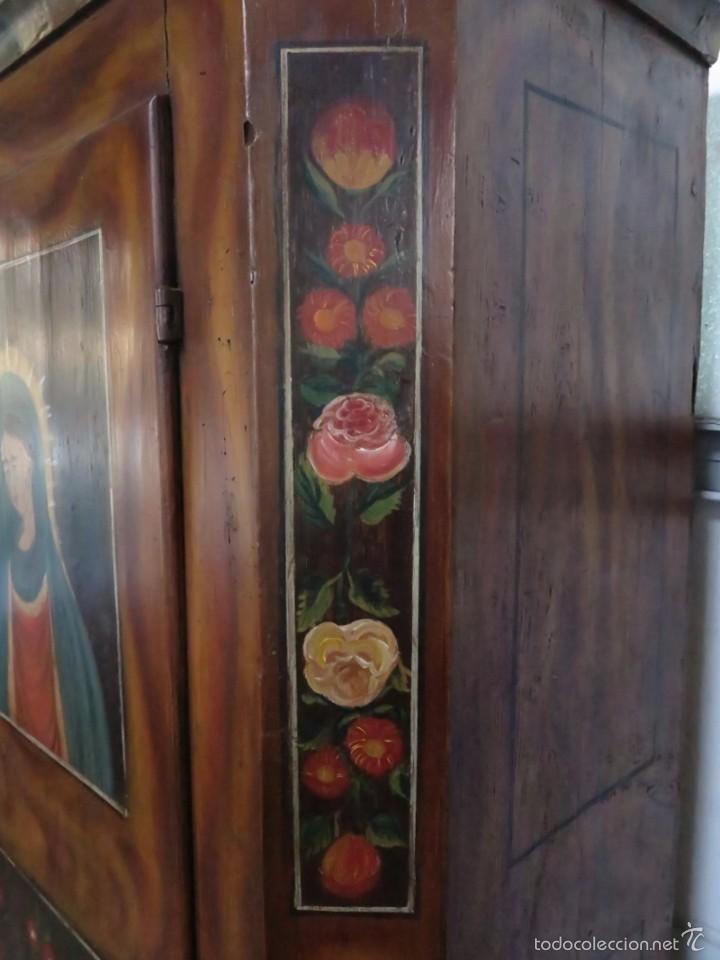 Antigüedades: Armario policromado de estilo alemán con motivos religiosos. - Foto 10 - 58339850