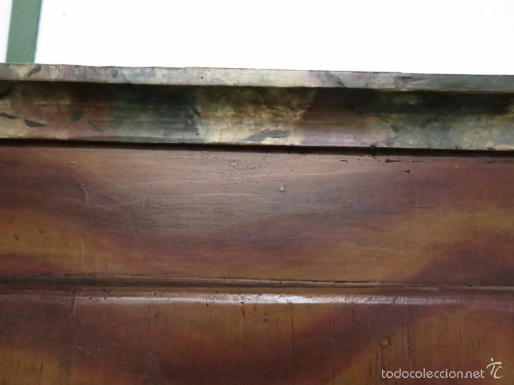 Antigüedades: Armario policromado de estilo alemán con motivos religiosos. - Foto 11 - 58339850