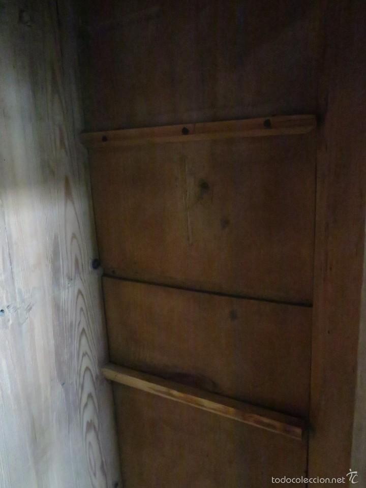 Antigüedades: Armario policromado de estilo alemán con motivos religiosos. - Foto 13 - 58339850