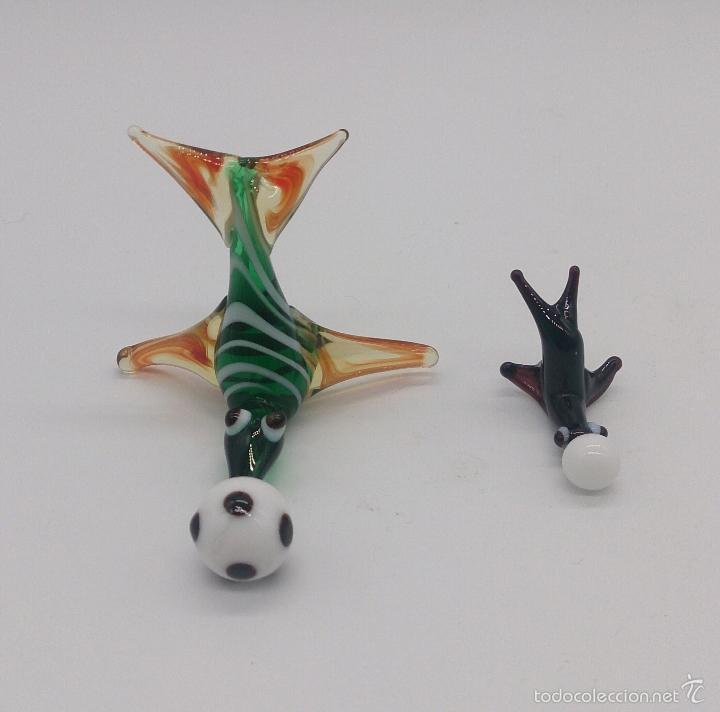 Antigüedades: Pareja antigua de focas con pelota en cristal de murano en miniatura . - Foto 5 - 58343225