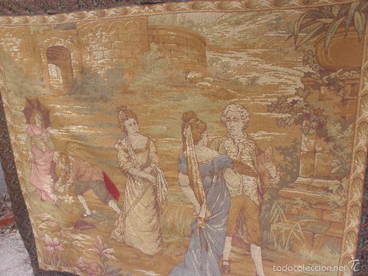 Antigüedades: ANTIGUO TAPIZ SIGLO XIX PRIMEROS DEL XX CON ESCENA GALANTE 1,63 CM X 1,44 CM. - Foto 2 - 58344583