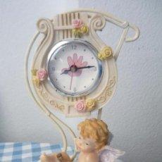 Relojes: PRECIOSO RELOJ SOBREMESA CON SU ANGELITO 23CM DE ALTURA X 6CM DE ANCHURA MD42. Lote 58349119