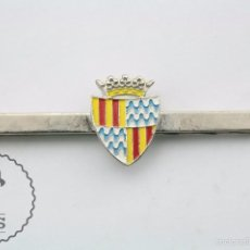 Antigüedades: PISACORBATAS / PASADOR DE CORBATA CON ESCUDO DE BADALONA, CATALUÑA - TONO PLATEADO - 6,5 CM LARGO. Lote 58374341