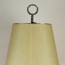 Antigüedades: LAMPARA DE SOBREMESA EN METAL PLATEADO. ESTILO VALENTI. CIRCA 1960. . Lote 58376826