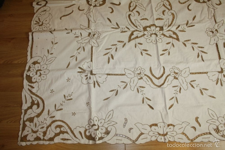Antigüedades: MANTEL DE ENCAJE RICHELIEU. ALGODÓN BORDADO A MANO. 7 SERV. 204X170. ESPAÑA. XX. - Foto 3 - 91797508