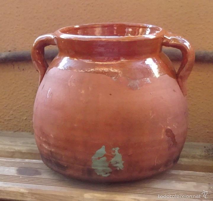 Antigüedades: OLLA PUCHERO DE BARRO COCIDO BARNIZADO EN SU INTERIOR Y PARCIALMENTE EN SU EXTERIOR. ALTURA 17 CM - Foto 2 - 58382373