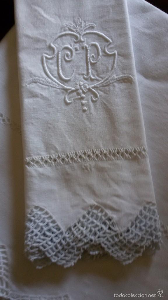 Antigüedades: *ANTIGUA SABANA CON FUNDAS DE HILO CON VAINICAS Y PUNTILLA A GANCHILLO - Foto 5 - 120292754