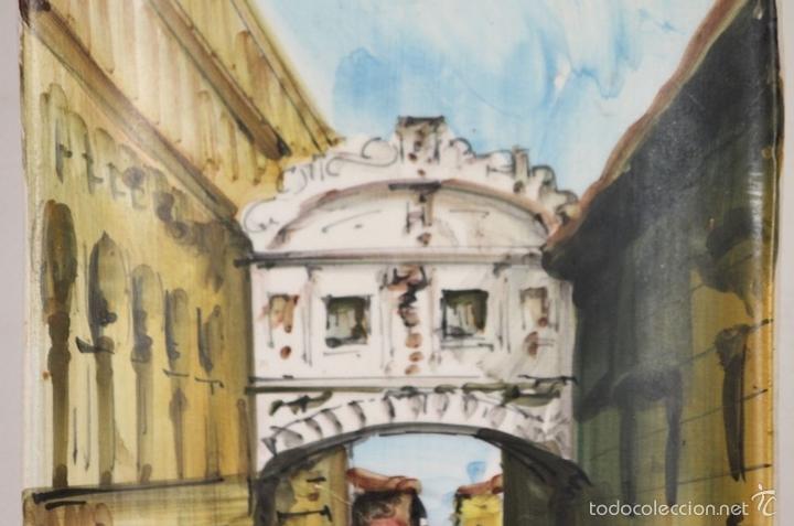 Antigüedades: PAREJA DE PLATOS EN PORCELANA. PINTADOS A MANO. ITALIA. AÑOS 60. - Foto 5 - 58390525